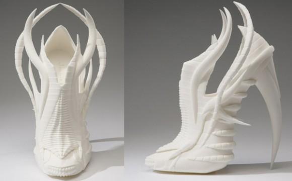 รองเท้าส้นสูงโฉบเฉี่ยวด้วยดีไซน์ปริ้น 3 มิติ