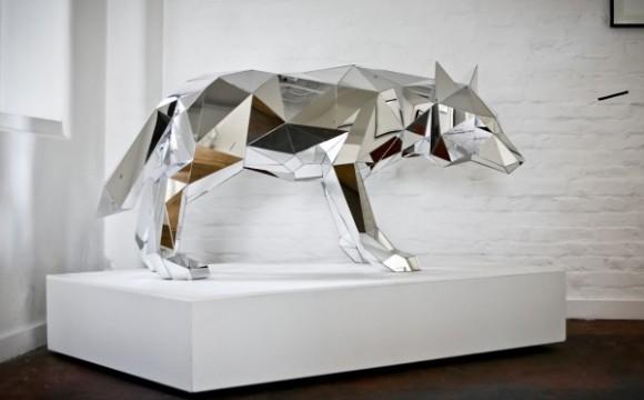 ศิลปะกระจกรูปสัตว์ทรงเรขาคณิต