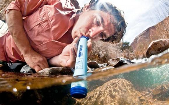 LifeStraw ที่กรองน้ำพกพาแบบหลอดดูด