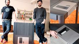 โต๊ะ Floppy Disk คลาสสิคแฝงที่ซ่อน