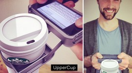 UpperCup ที่วางแก้วสำหรับไอโฟน