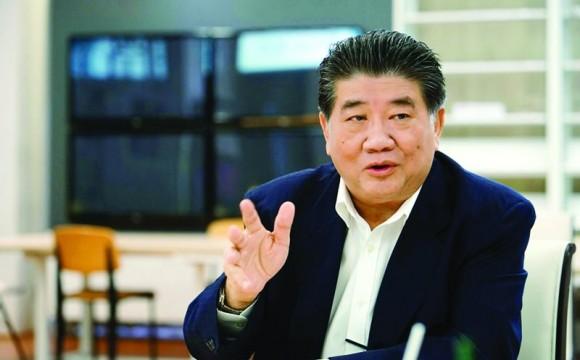 """คอลัมน์ รายงานพิเศษ: """"ภูมิธรรม เวชยชัย"""" ผ่าปมการเมือง-อนาคตเพื่อไทย"""